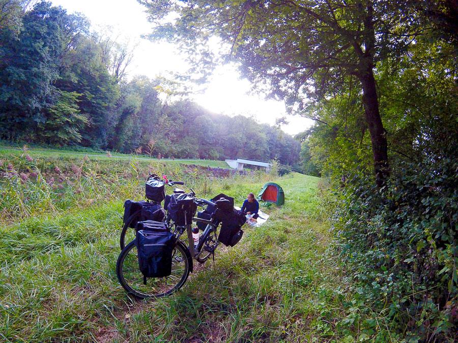 Bivouac à Rang, Franche-Comté