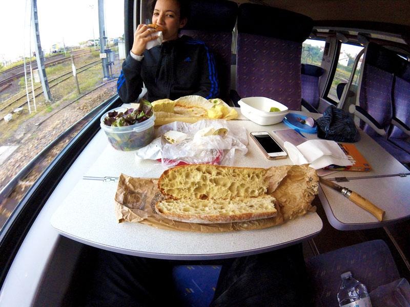Dans le train pour Besançon