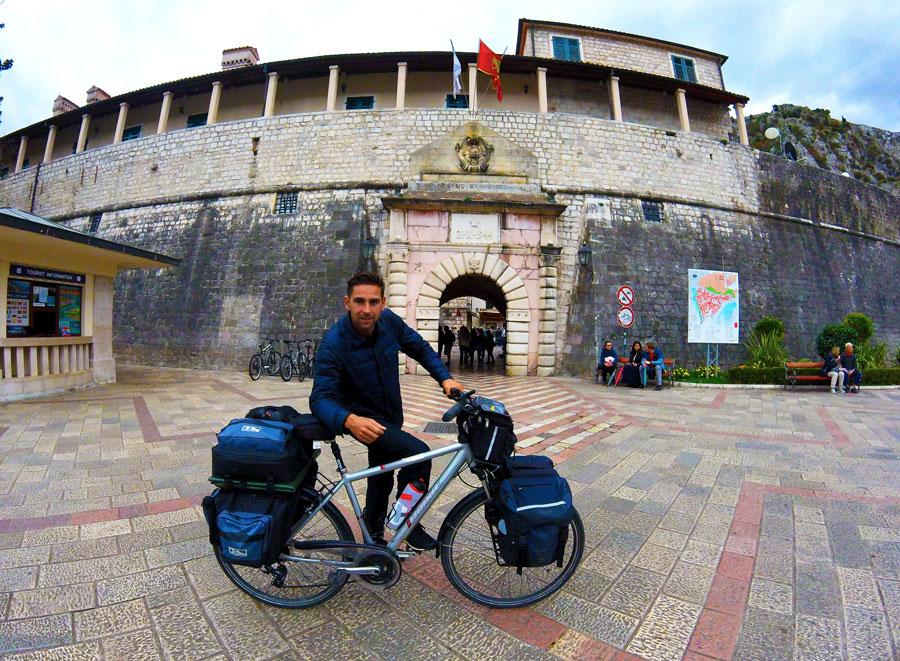 Ville de Kotor à vélo
