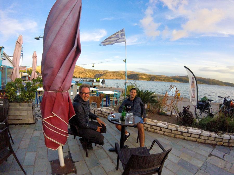 Cafe à Astakos