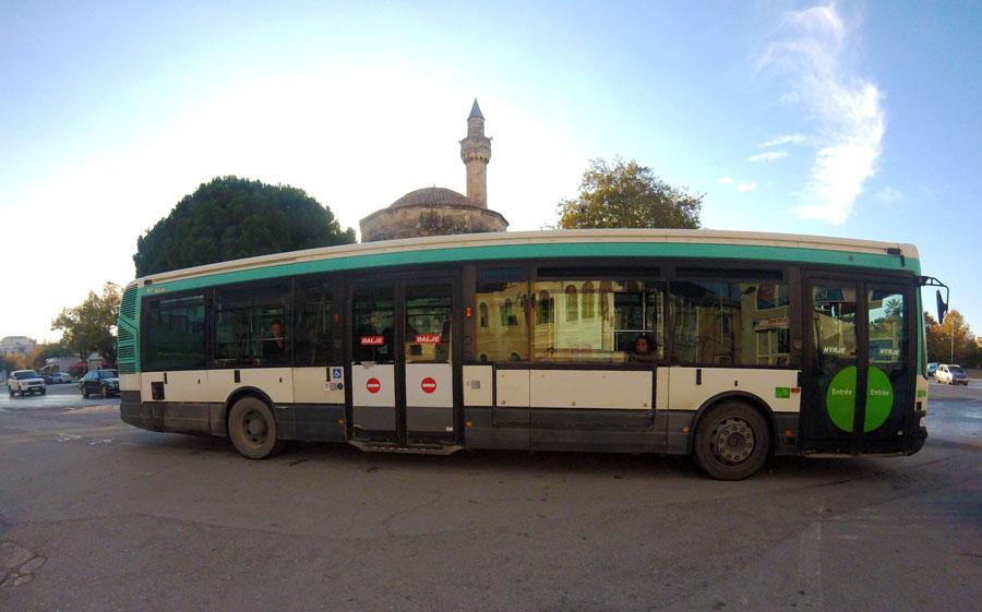 Bus de la RATP à Vlorë en Albanie