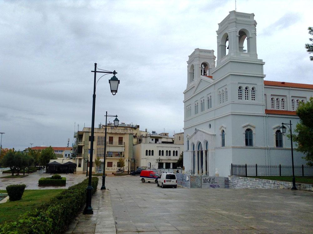 Eglise de Pyrgos en centre-ville, en Grèce