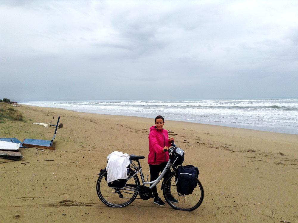 Plage Letrina Grèce à vélo