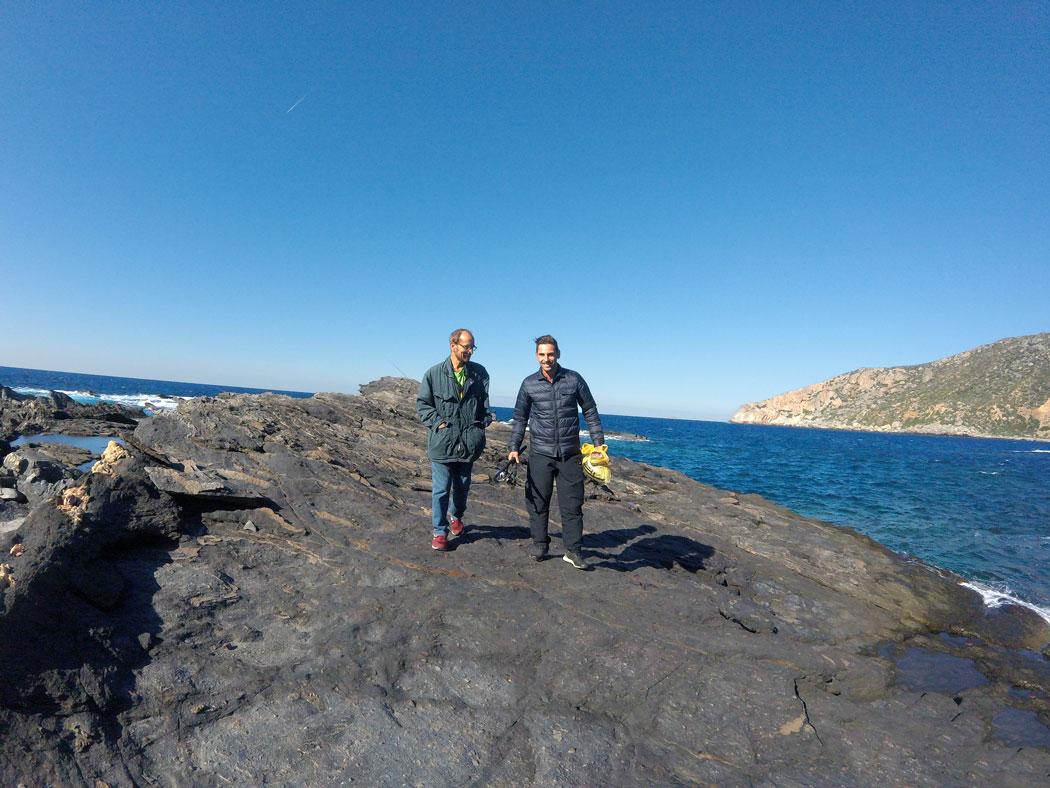 Arthur et Apollo à la plage de Kampos, Crète