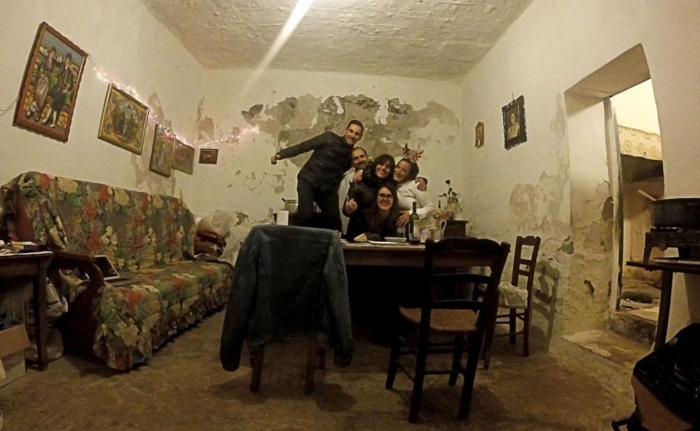 Repas de Nöel à Kampos avec Apollo, Andra et sa mère Carmen