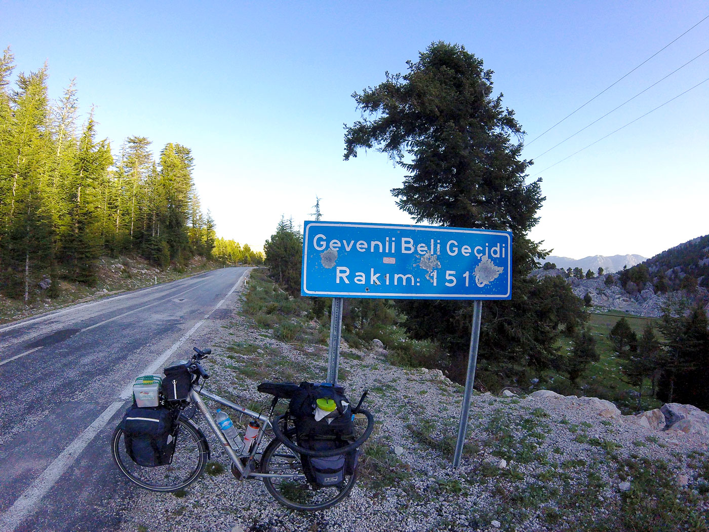 Turkey by bike, 1510 meters above sea level. Cycling Turquey, at an altitude of 1510 meters.