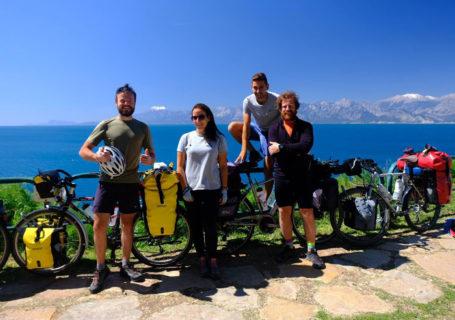 La Turquie à vélo, le long du littoral d'Antalya. Cycling Turquey, Antalya littoral.