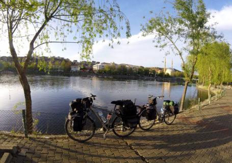 La Turquie à vélo, Avanos. Cycling Turquey, Avanos.