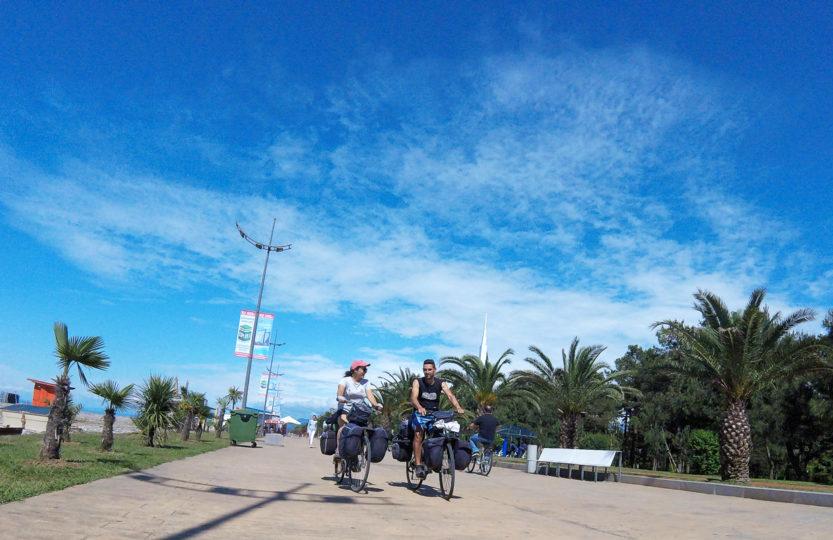 Voyage à vélo, la Géorgie à vélo, Batumi. Travel by bike, cycling Georgia, Batumi.