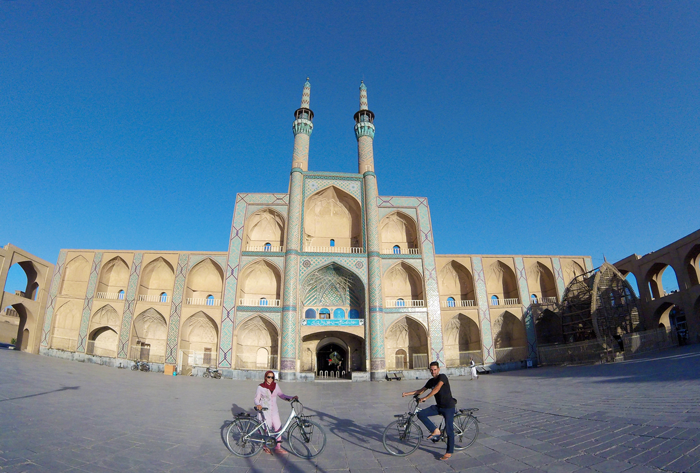 Bike trip, cross Iran by bike, the Amir Chaghmagh complex in Yazd. Cycling travel, biketouring, cycling Iran, the Amir Chakhmaq Complex in Yazd.