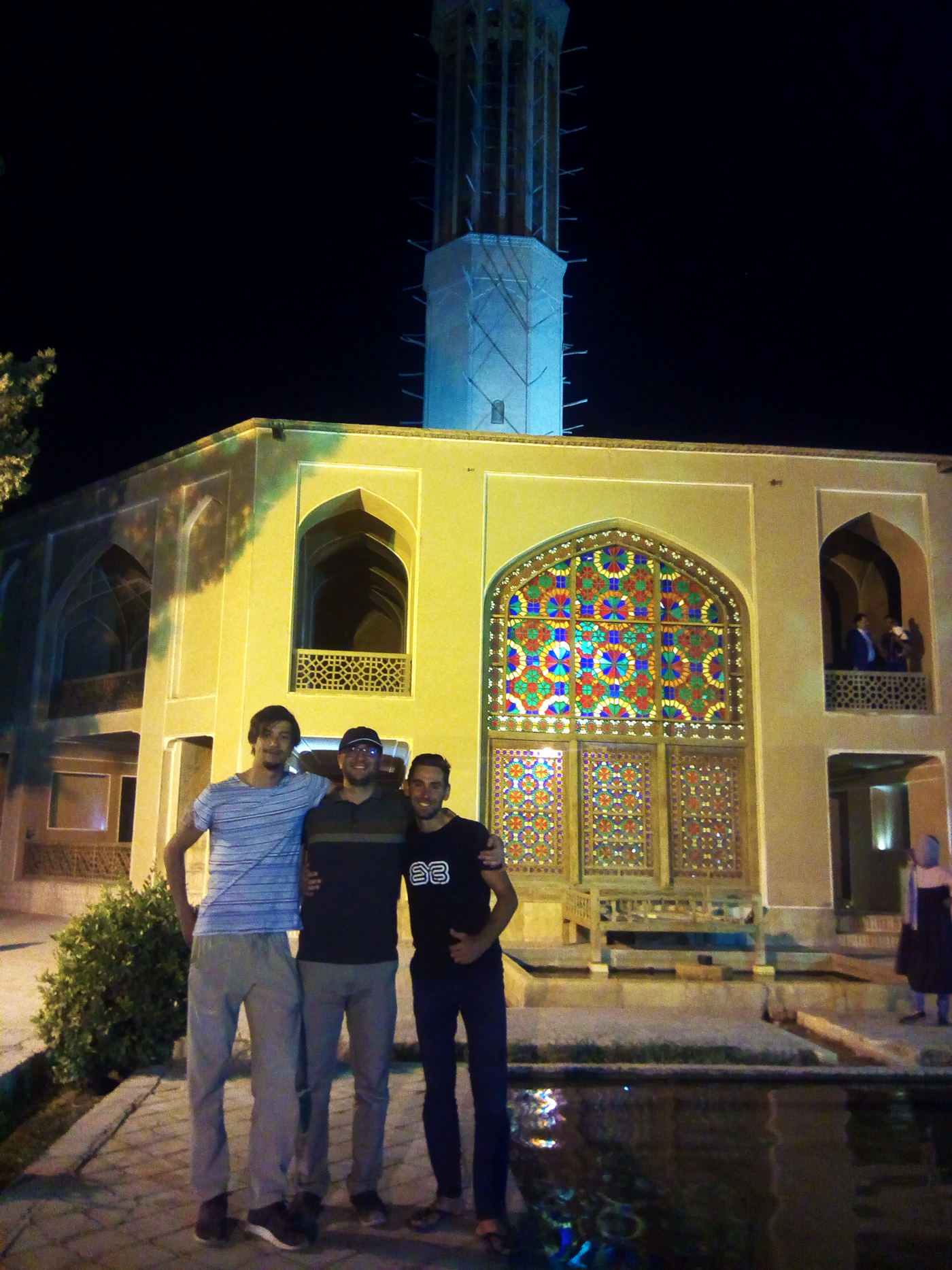 Bike trip, cross Iran by bike, the highest bâdgir in the world in the garden of Dowlat Abad in Yazd. Cycling travel, biketouring, cycling Iran, the world's tallest badgir in Dowlat Abad Garden in Yazd.